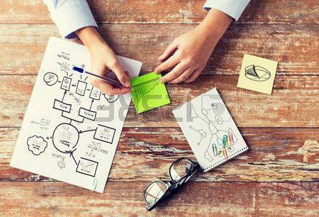 48791353-affaires-l-education-la-planification-la-strategie-et-les-gens-notion--gros-plan-de-mains-a-tirage-r